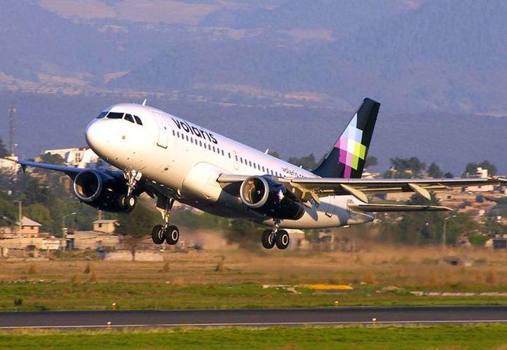 La FAA impuso una multa de 735 mil dólares a Volaris por incumplir con las regulaciones de seguridad de EU. Imagen de contexto. (fly-news.es)