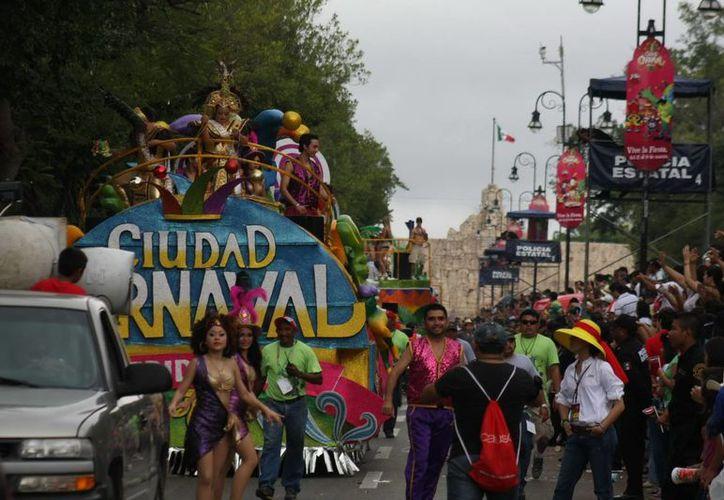 La presentación oficial de los Soberanos del Carnaval 2014, el cual se desarrollará por primera vez en Xmatkuil,  será a mediados de diciembre. (Archivo SIPSE)