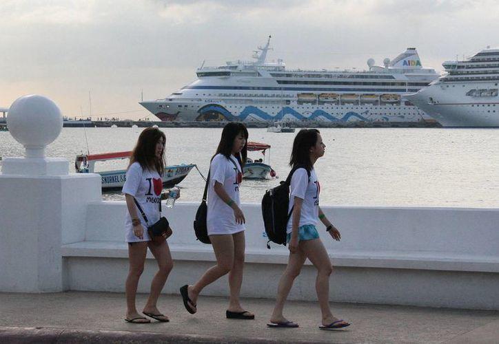 Los turistas nipones son catalogados como los que más gastan durante sus vacaciones. (Gustavo Villegas/SIPSE)
