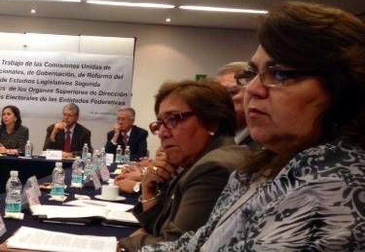 La presidenta del Ipepac, María Elena Achach Asaf (d). (Milenio Novedades)