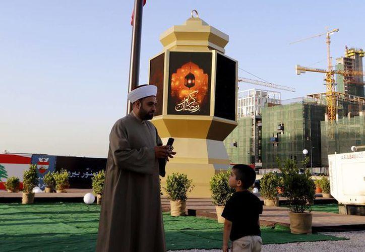Para los musulmanes el ramadán guarda un gran simbolismo debido a que es el mes en el cual el Corán fue revelado al profeta Mahoma. (EFE)