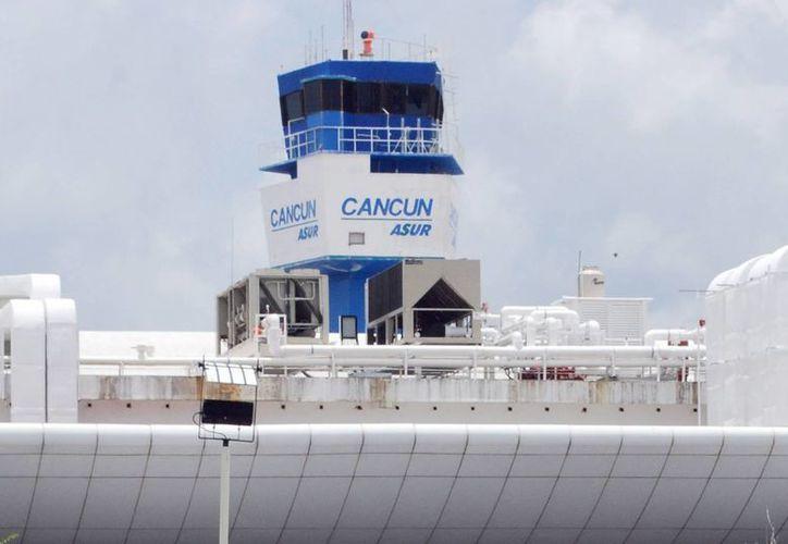 El domingo pasado, el aeropuerto de Cancún reportó 463 operaciones. (Israel Leal/SIPSE)