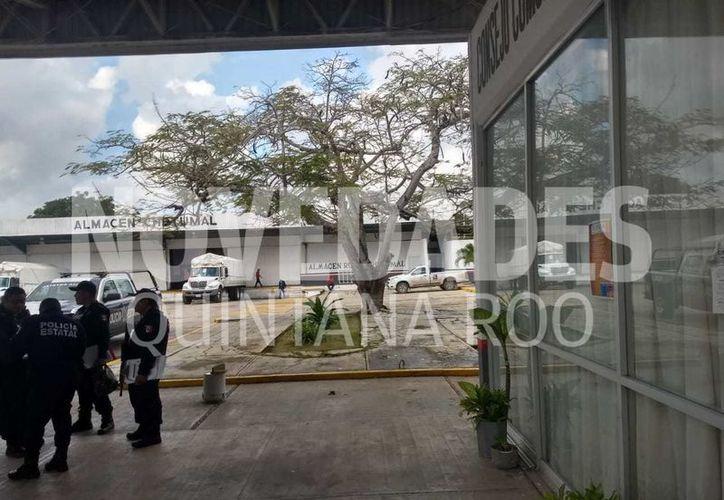 Sujetos armados roban la nómina de Diconsa, en Chetumal. (Daniel Tejada/SIPSE)
