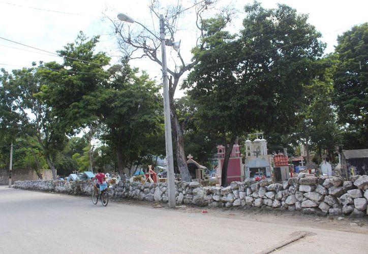 El Ayuntamiento no dispone de superficie para un nuevo cementerio. (Sara Cauich/SIPSE)