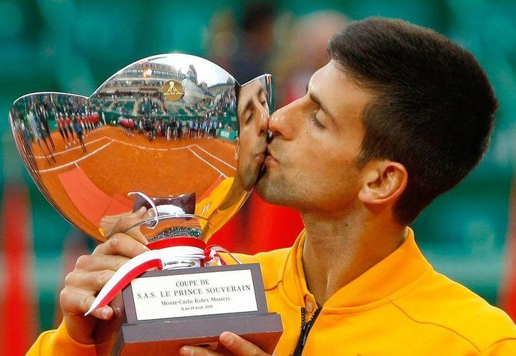 Novak Djokovic se convirtió en el primer tenista en la historia en ganar los tres primeros Masters del año, luego de completar la barrida en Indian Wells y Miami, y ahora en Montecarlo. (Foto: AP)
