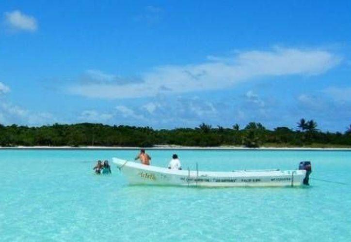 Las organizaciones Amigos de Sian Ka'an y Ocean Ramsey dieron a conocer la campaña Agua es Vida. (Contexto/Internet)