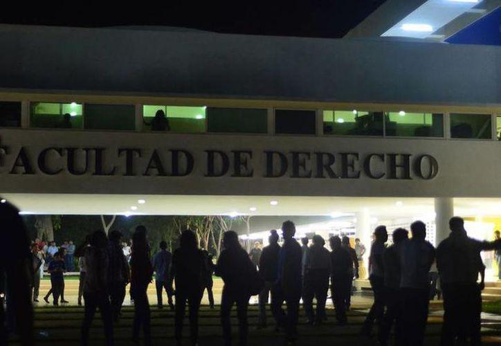 La elección estudiantil en la Facultad de Derecho, nuevamente en la polémica por supuestas irregularidades. (Archivo/ SIPSE)