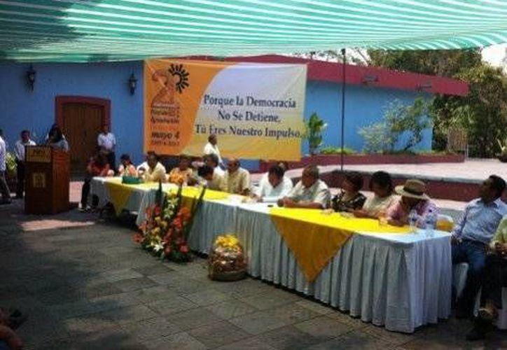 El festejo por el 24 aniversario de la fundación del PRD. (milenio.com)