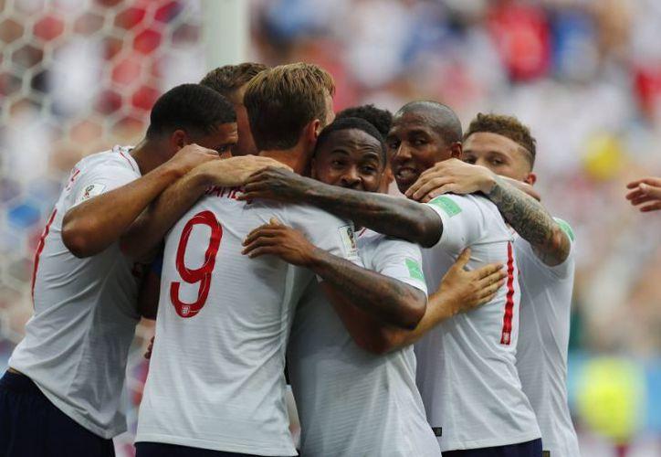 Inglaterra obtiene de esta manera el liderato momentáneo del Grupo G. (Twitter)