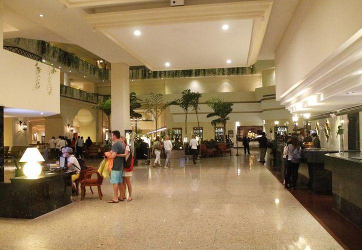 """El hotel Fiesta Americana se pone a la vanguardia mejorando su imagen e implementando tecnología """"verde"""". (Jesús Tijerina/SIPSE)"""