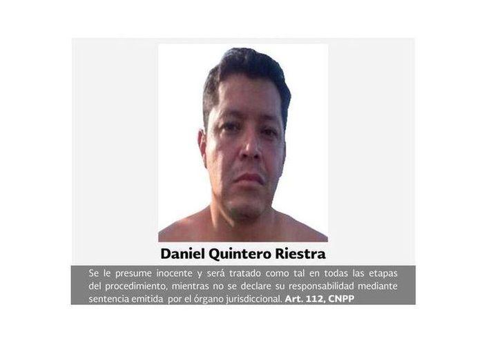 Daniel Quintero Riestra recibió el auto de formal prisión por delincuencia organizada, pero aún están pendiente que se cumpla la orden de aprehensión en su contra por el crimen contra el exsecretario de Turismo de Jalisco, Jesús Gallegos. (lacapitalmx.com)