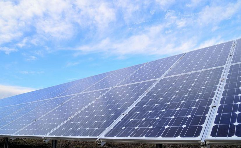 Cada vez más empresas apuestan por los paneles solares, su implementación puede generar un ahorro directo en el recibo de luz de entre 60 y 90 por ciento. (Milenio Novedades)