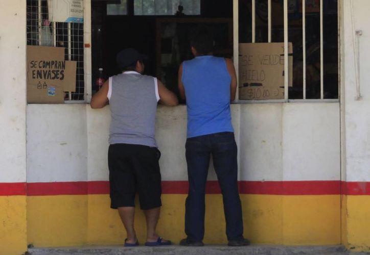 Inspectores de Fiscalización verificarán que los expendios suspendan la venta de bebidas alcohólicas. (Enrique Mena/SIPSE)