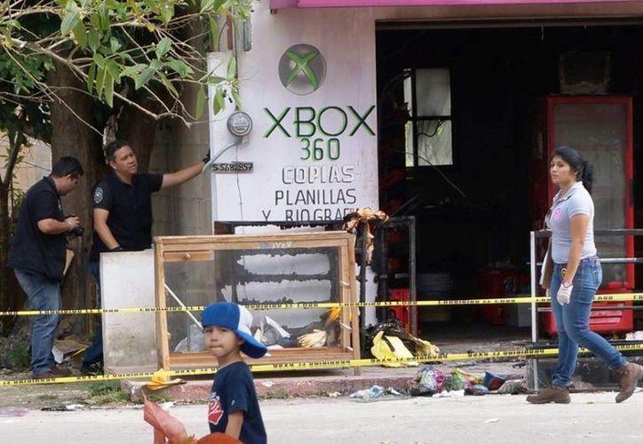 Imagen de la papelería 'El Kiosco'  que fue consumida por el fuego en Tepich, Yucatán. (Milenio Novedades)
