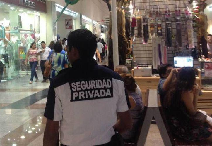 Es necesario que las plazas comerciales estén más seguras. (Eric Galindo/SIPSE)