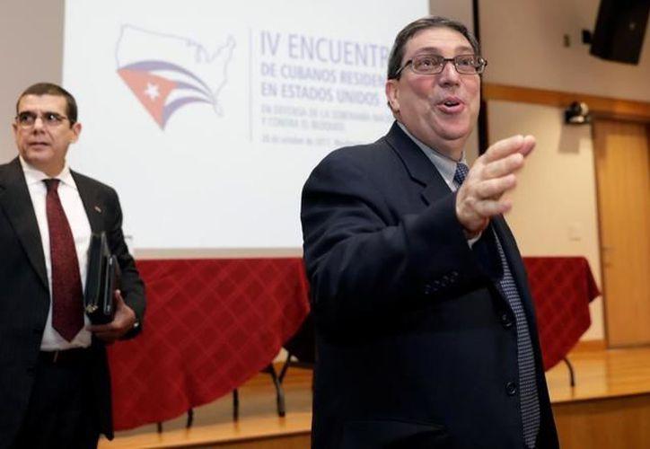 A partir del 1 de enero, los cubanos que residan en el exterior ya no tendrán que obtener el permiso que el Gobierno exigía. (Foto: El Mundo)
