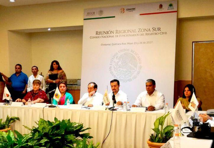 Ayer se realizó la reunión del Consejo Nacional de Funcionarios del Registro Civil de la zona sur. (Foto: Benjamín Pat / SIPSE)