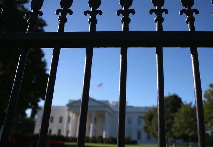 El hombre que trató de meterse a los terrenos de la Casa Blanca se declaró inocente este lunes. (telemundo.com)