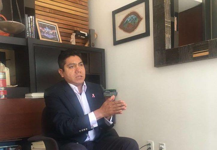 El senado panista Jorge Luis Preciado dice que no tiene más arma que la razón. (Twitter: @JL_Preciado_)