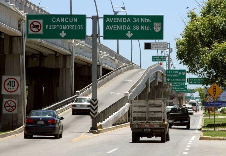 La segunda fase del mantenimiento de los puentes se realizará después del verano para no entorpecer el tráfico en temporada alta.  (Adrián Monroy/SIPSE)