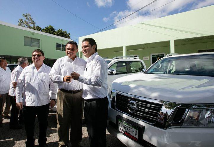 A partir de este lunes la SSY ya cuenta con nuevos vehículos, equipamiento y mobiliario. (Foto cortesía del Gobierno)