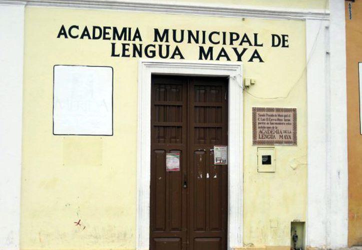 La dependencia municipal recibe varias solicitudes de personas interesadas en cursar clases. (Milenio Novedades)