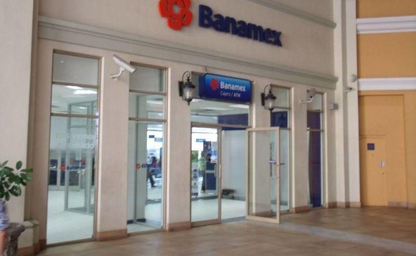 El banco dijo a sus cuentahabientes que tardarán hasta 40 días en resolver el problema. (Archivo/Notimex)