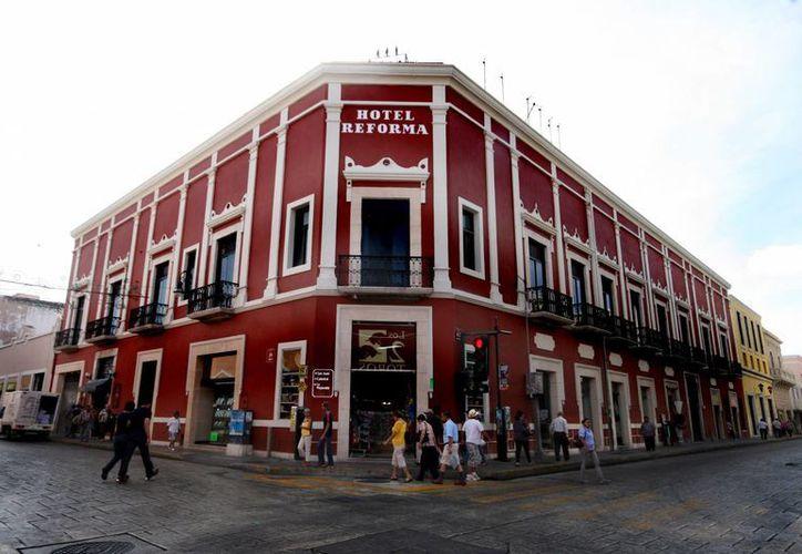 Pintar un edifico del Centro Histórico requiere de permiso del INAH. (Milenio Novedades)