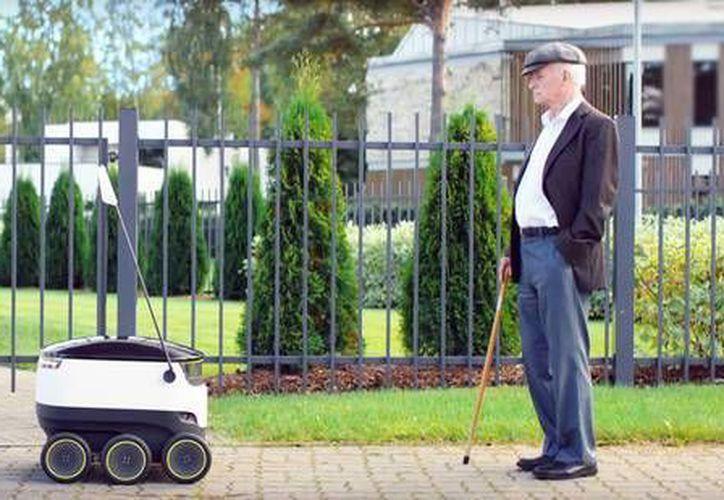 Los robots 'delivery' de Starship Technologies podrán entregar comida con un rango de demora de entre quince minutos y media hora y a una distancia de hasta cinco kilómetros. (ansalatina.com)
