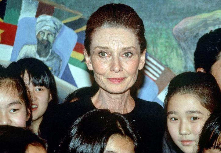 Audrey Hepburn, una vida llena de carencias afectivas que suplió como embajadora de Unicef. (EFE)