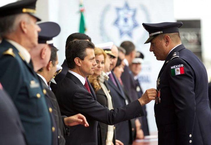 """""""Con ustedes seguiremos dando pasos firmes para alcanzar el México de paz"""", afirmó Peña Nieto. (presidencia.gob)"""