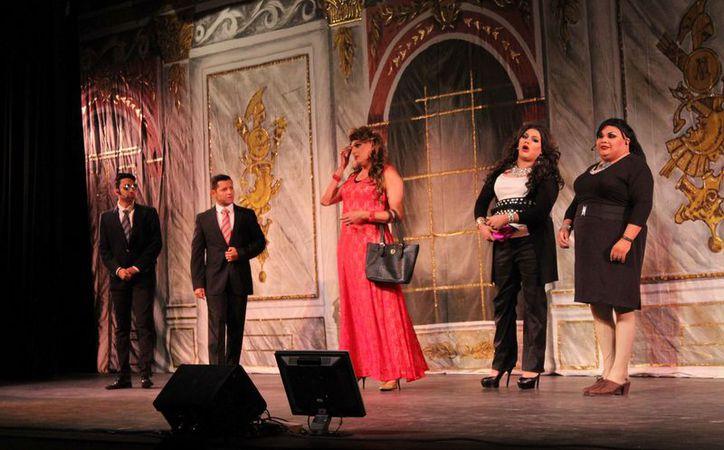 La obra fue presentada en el Teatro de Cancún. (Faride Cetina/SIPSE)