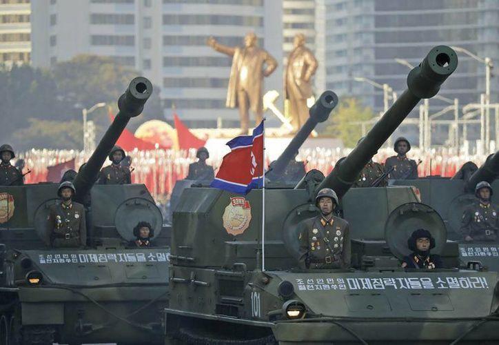 Imagen de contexto. Corea del Norte lanzó al mar un misil balístico de mediano alcance. El país asiático busca desarrollar armas nucleares. (AP/archivo)
