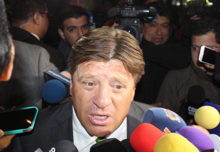 """Miguel Herrera actual seleccionador de México, ya tiene listo su once ideal para jugar la Copa América, y también reitero su optimismo al decir que el Tri"""" ganará el torneo. (Notimex)"""