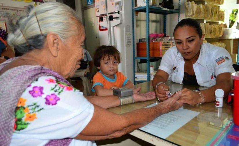 En 2012, 823 mil 174 mujeres, recibieron atención médica. (Cortesía/SIPSE)