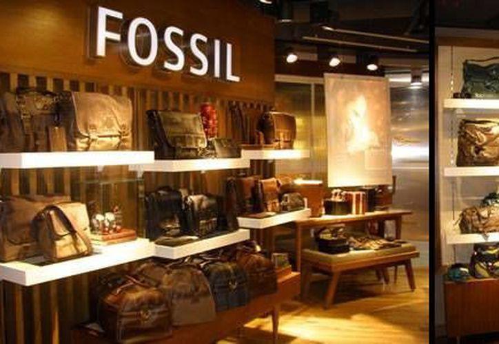 Fossil vende más de tres mil millones de dólares al año en ropa y accesorios de moda. (moodiereport.com)