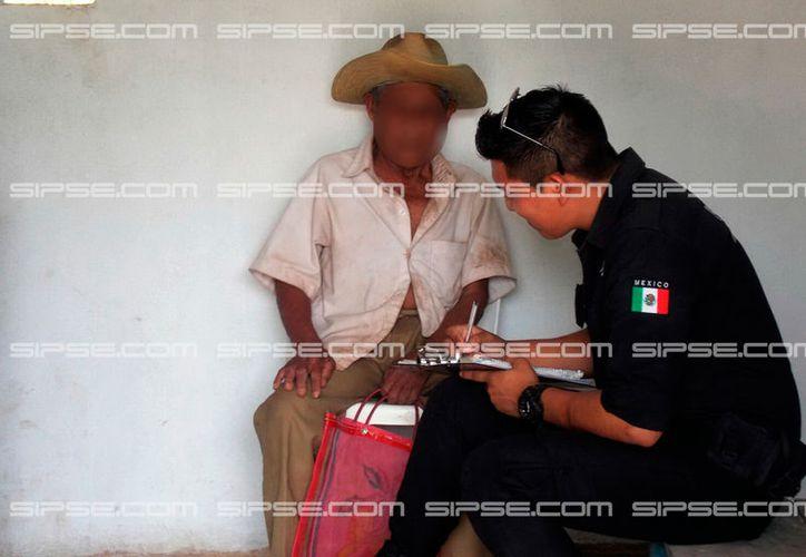 Un par de mujeres asaltó un anciano cuando éste se encontraba descansando en su casa, en Ticul. Se llevaron dos mil pesos: todos los ahorros de don Ramiro. (SIPSE)