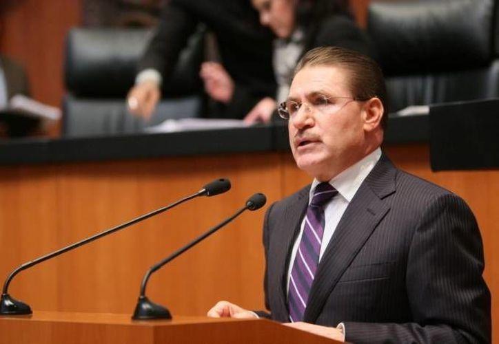 José Rosas Aispuro, vicepresidente de la Mesa Directiva del Senado, dijo de acuerdo a un tabulador se asignan los gastos de hospedaje y alimentación.(tiptip.mx)