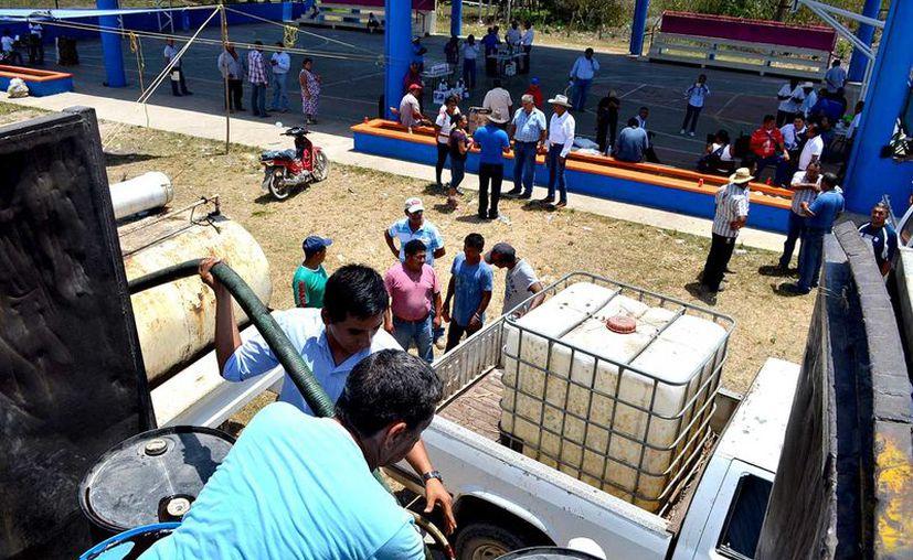 Productores pecuarios de la comunidad de Álvaro Obregón.
