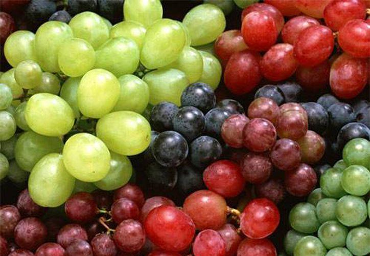El consumo de uvas de forma habitual ofrece beneficios para la salud, así como en la belleza de la piel y el cabello. (Foto/Internet)