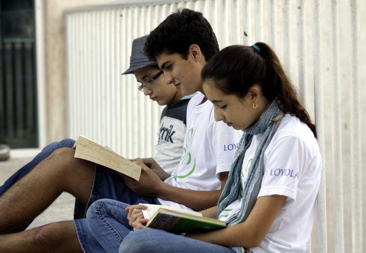 Loyola Comunidad Educativa promueve permanentemente la lectura. (Christian Ayala/SIPSE)