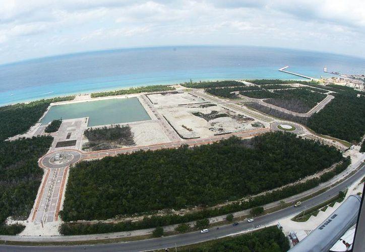 Entre los cambios en el plan de la Marina Cozumel, se encuentra la adecuación del uso de suelo para la construcción de oficinas y una estación de combustible, no contemplada inicialmente. (Irving Canul/SIPSE)