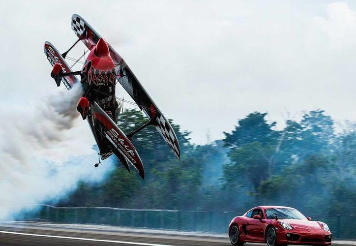 Pilotos acrobáticos darán muestra de su talento en el aeroshow de Cozumel. (Contexto/Internet)