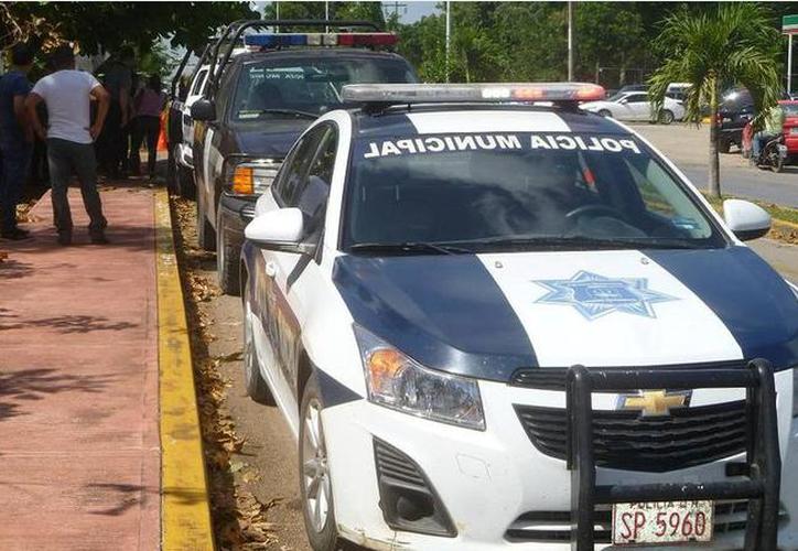 La policía municipal de Othón P. Blanco reportó cero incidencias, aunque estuvieron pendientes en varias colonias. (Joel Zamora/SIPSE)
