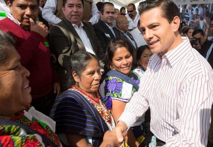 El presidente Enrique Peña Nieto durante la ceremonia conmemorativa del Día Internacional de la Eliminación de la Violencia contra la Mujer. (Presidencia)