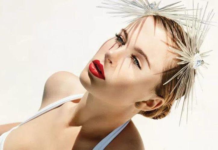 La joven modelo presumió su esbelta figura para la revista  treats! Magazine. (Agencias)