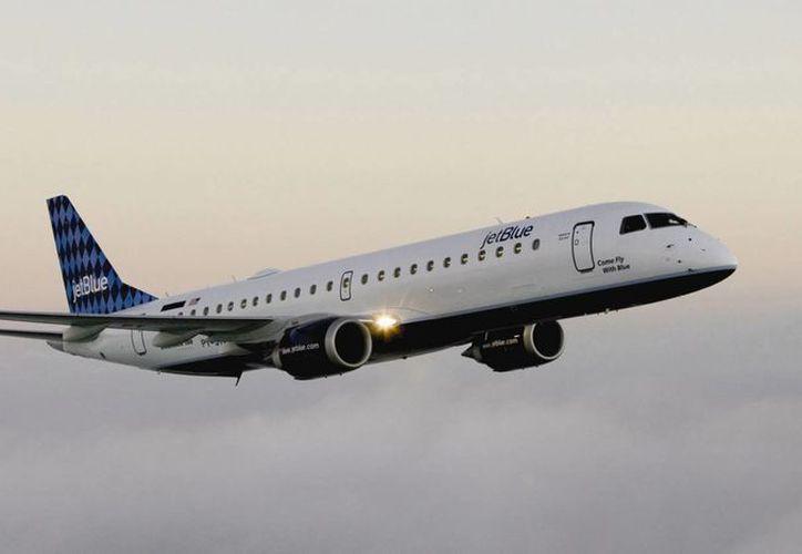 El vuelo continuó a Las Vegas luego de estar detenido en Detroit por dos horas. (cosasdelcibao.net)