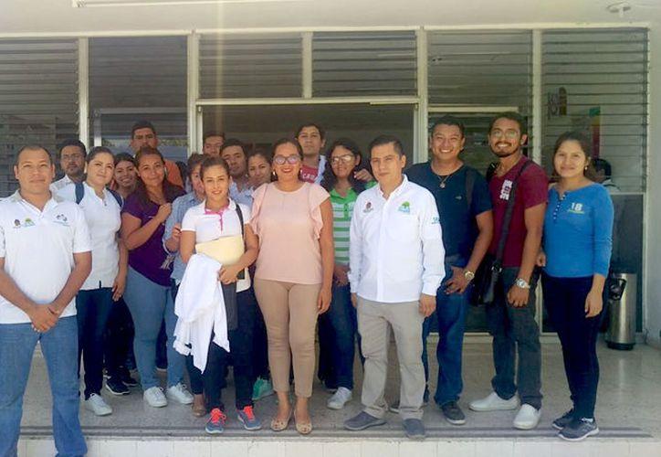 El periodo en que estos alumnos estarán aplicando sus conocimientos, es hasta julio de 2018. (Joel Zamora/ SIPSE)