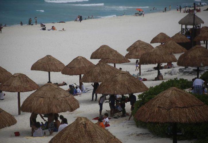 Estados Unidos y Canadá son los principales mercados turísticos para Cancún. (Israel Leal/SIPSE)