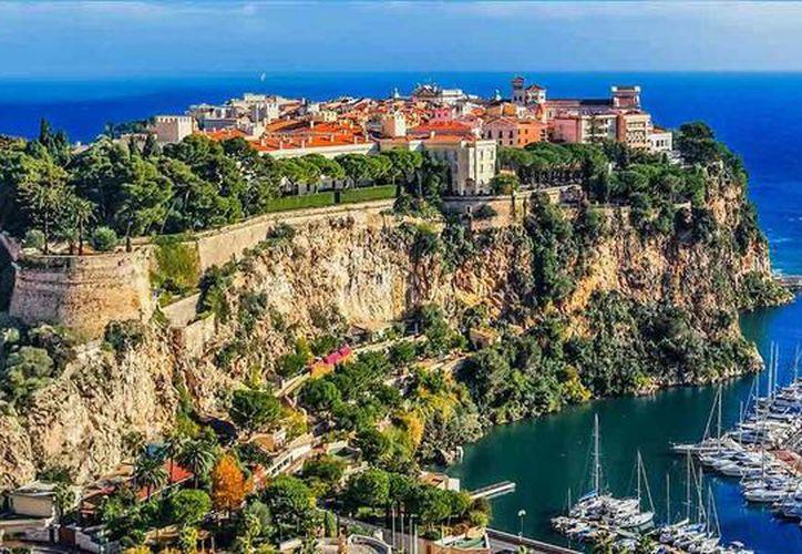 Mónaco es el lugar del mundo con una mayor densidad de multimillonarios, de acuerdo con un estudio de la firma británica Approve Index. (Imagen de contexto/easyjet.com)